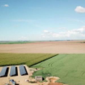 PIVÔ CENTRAL ACIONADO POR ENERGIA SOLAR É LANÇADO NO BRASIL
